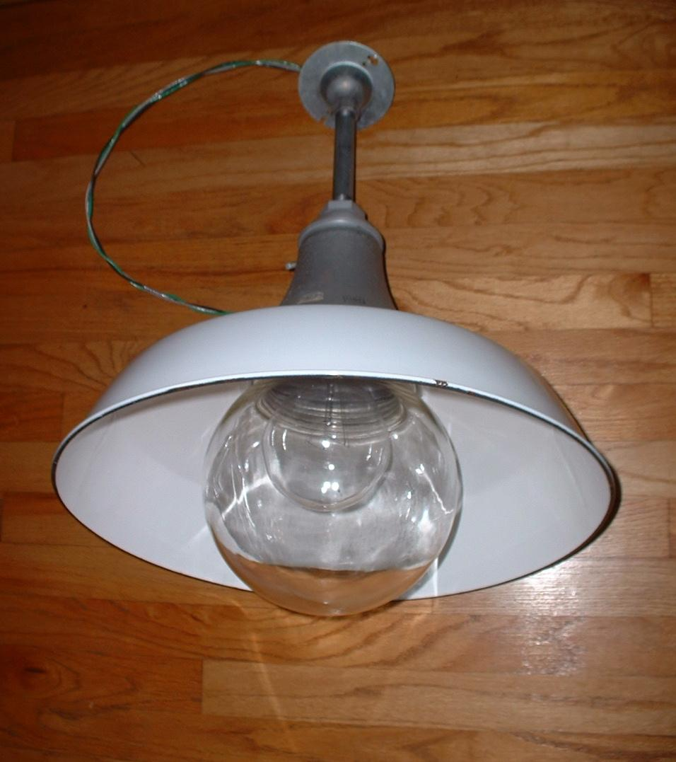 "(1) Vtg 18"" BENJAMIN White Porcelain Barn Light Industrial"